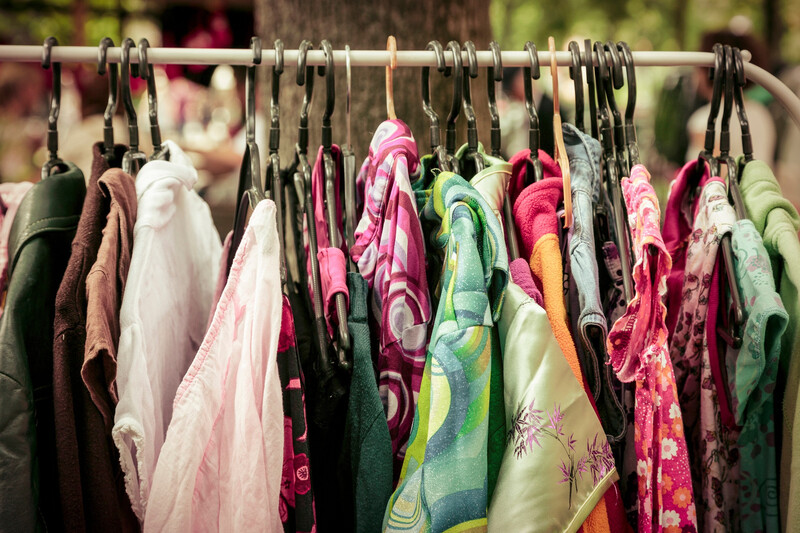Recycler des vieux vêtements en isolant pour les maisons
