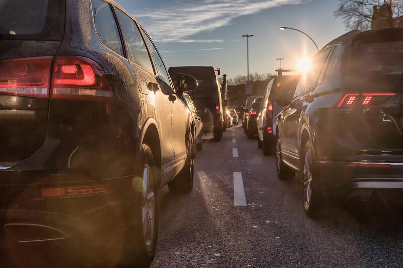 Yannick Jadot (EELV) veut interdire la publicité des véhicules SUV, les 4x4 urbains