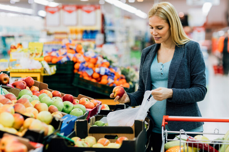 L'ADEME préconise de rendre payants les sacs plastiques biodégradables du rayon fruits et légumes