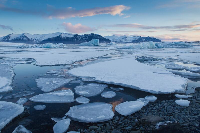 L'aventurier Mike Horn témoigne des effets du changement climatique après son expédition en Arctique