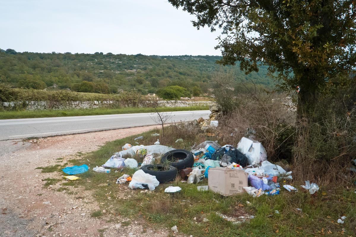 Dans une commune de l'Eure, les déchets sauvages sont retournés à leurs propriétaires