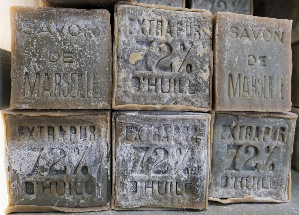 Comment utiliser le savon de Marseille et profiter de ses vertus?