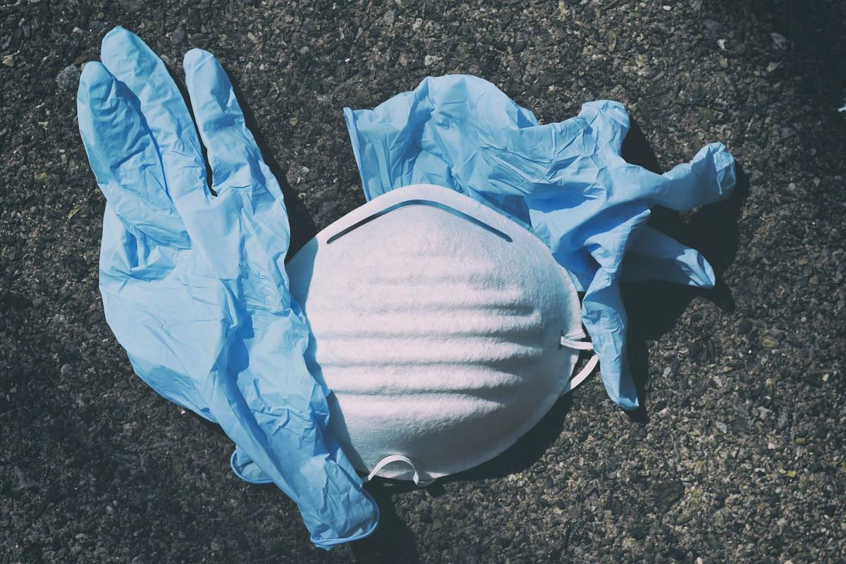 Covid-19 : Comment jeter correctement les masques, gants et lingettes à usage unique?