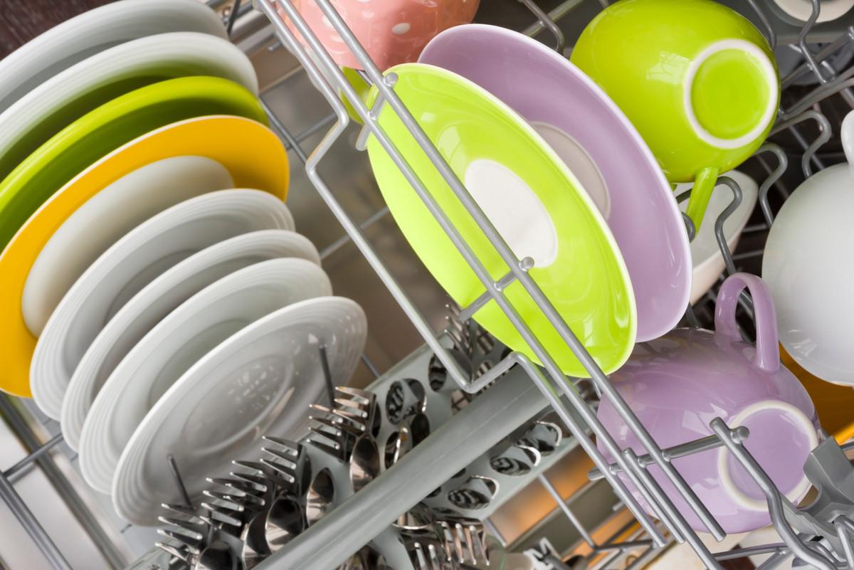 6 astuces pour nettoyer son lave-vaisselle naturellement