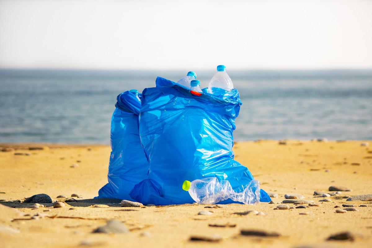 «Clean ta plage»: une opération de ramassage des déchets lancée par 3 Bretons