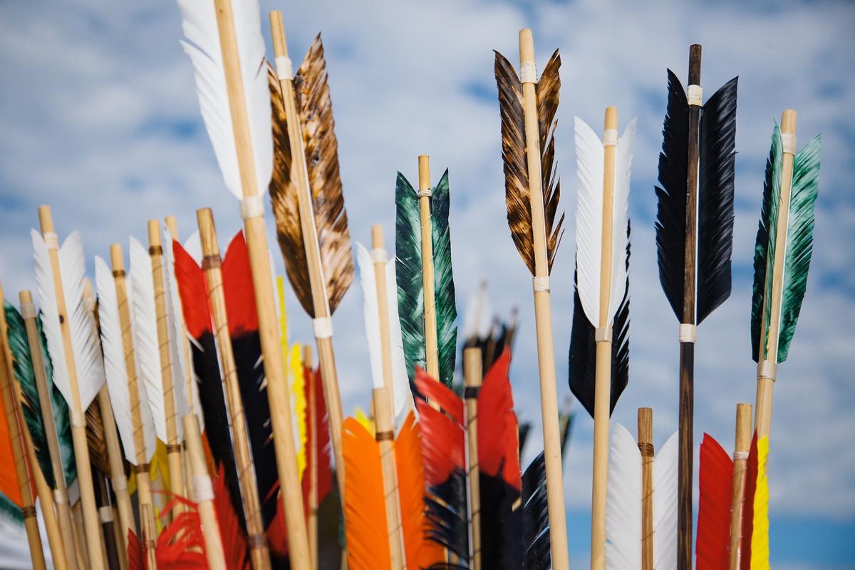 DIY : Fabriquer un arc et des flèches maison