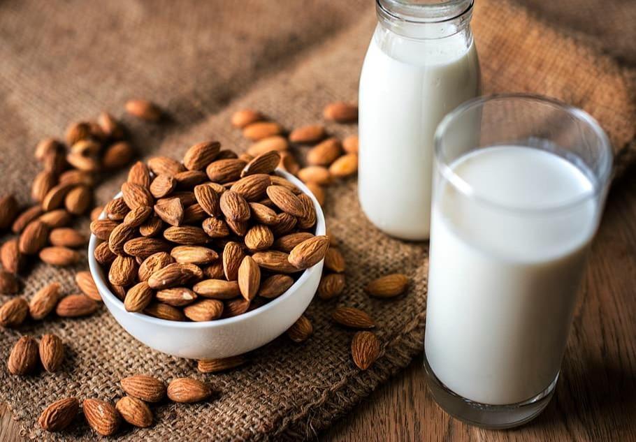DIY : 3 recettes pour faire son lait de noix soi-même