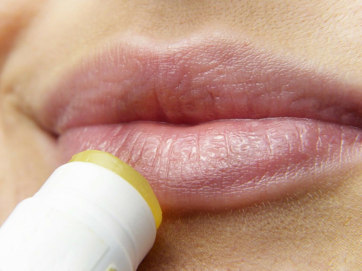 DIY: comment fabriquer un baume à lèvres naturelmaison?