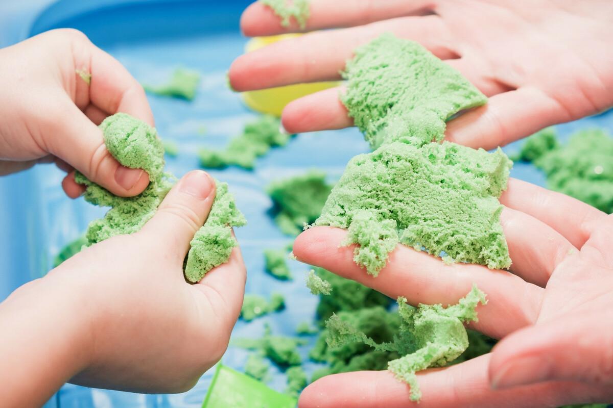 DIY: comment fabriquer du sable magique maison?