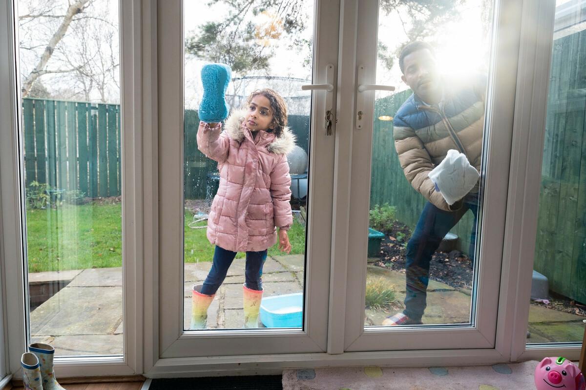 DIY: 6 recettes pour laver les vitres naturellement et efficacement