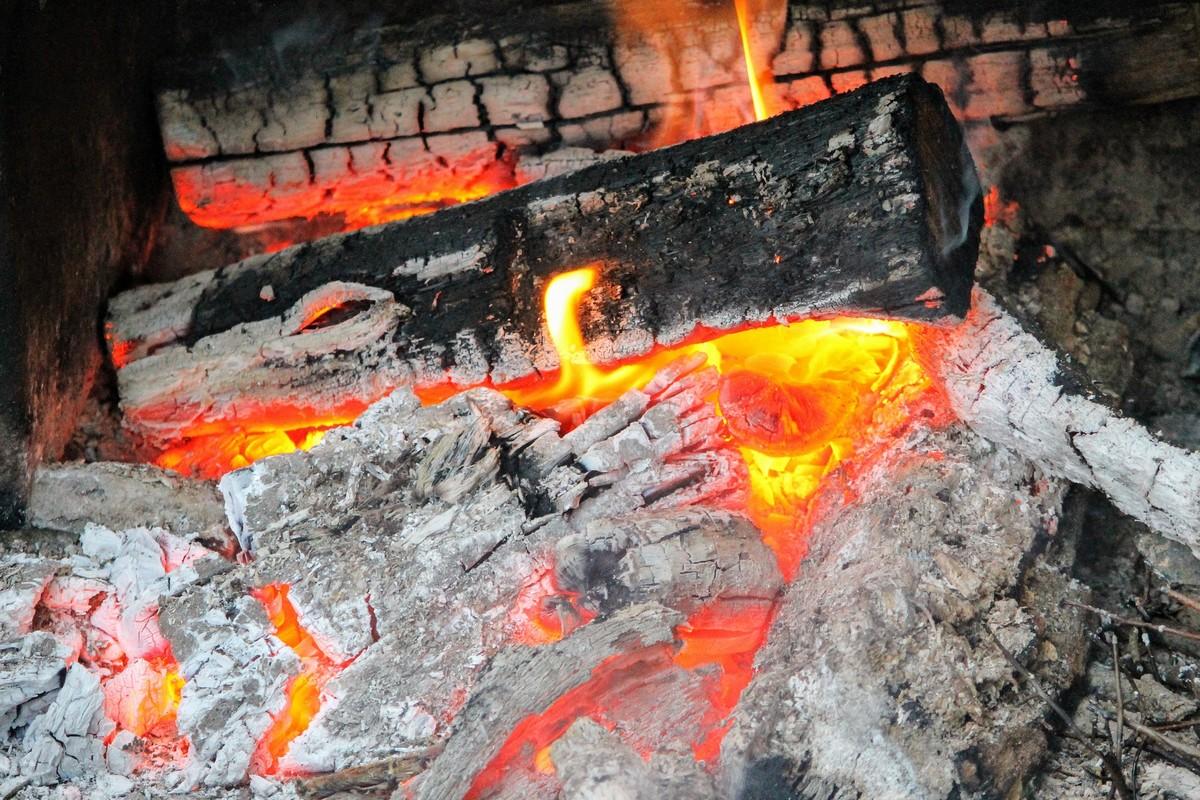 Cendre de bois pour fabrication de lessive