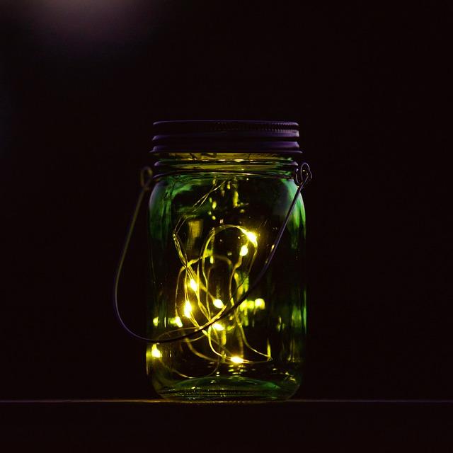 Guirlande lumineuse dans un pot en verre