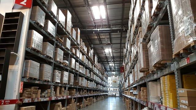 Produits invendus stockés en entrepôt