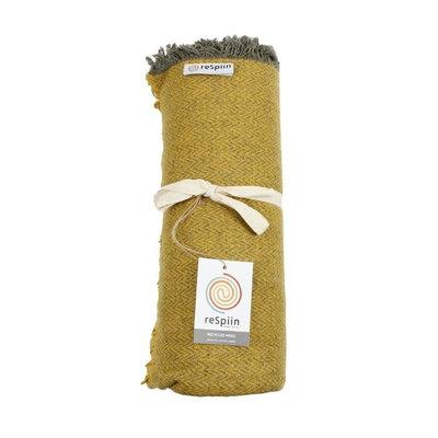 Plaid jaune en laine recyclée Zig Zag Saffron avec franges