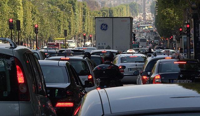 Gaz à effet de serre (GES) circulation automobile